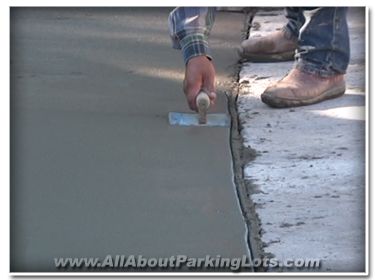 concrete contractor finishing concrete