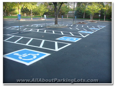 asphalt sealcoating by expert asphalt contractors